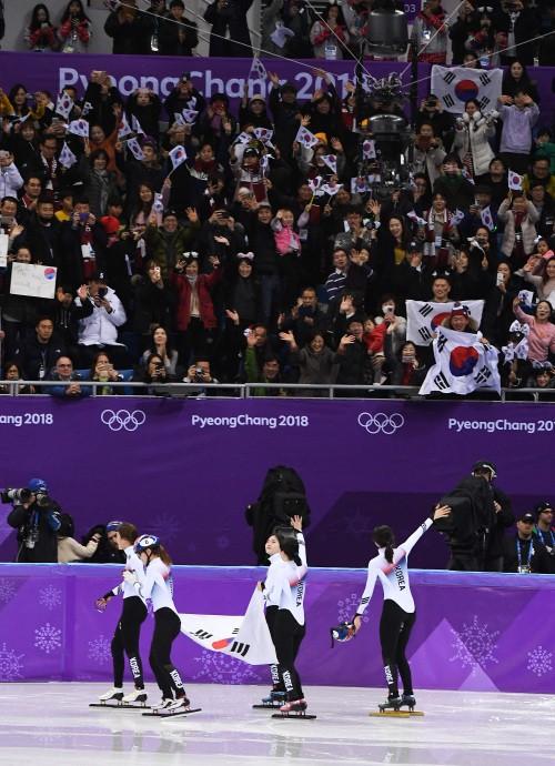 두 번의 탄식, 그러나 잊지 않은 박수… 응원 문화는 '금메달'