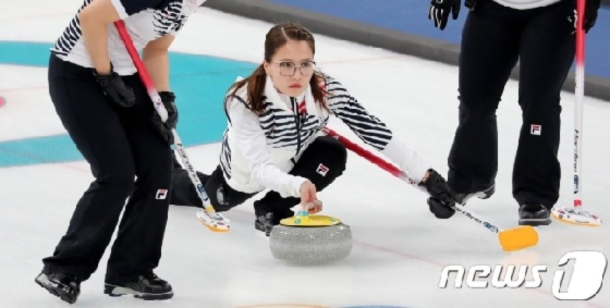 女컬링, 美에 3-10 덜미.. 준결승 진출 실패