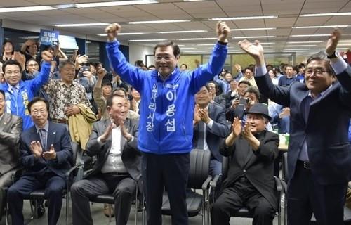 이용섭 민주당 광주시장 후보 확정, 1차서 과반 득표