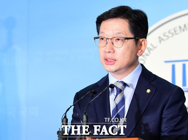 김경수, '드루킹 사건' 악재 속 '직진'…전망은?