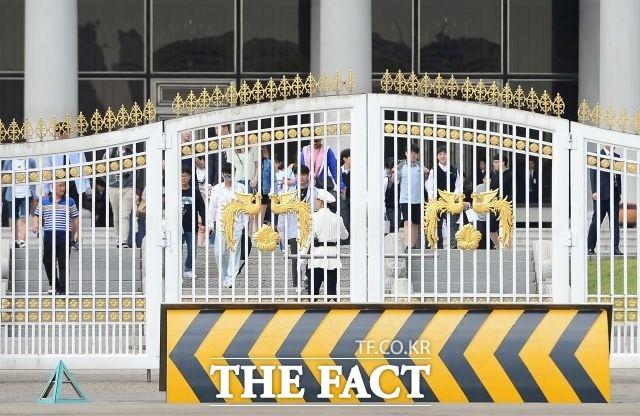 """청와대 """"북한, 핵실험장 폐기·ICBM 중단 환영"""""""