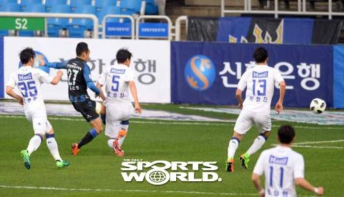 인천 문선민,'팀 두번째 골 성공'