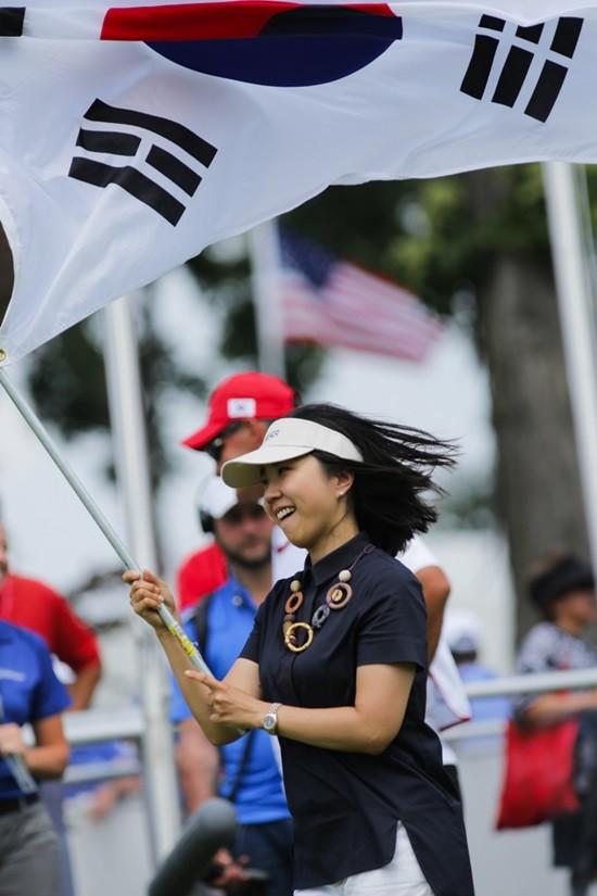 UL 인터내셔널 크라운, 태극기 휘날리며~힘찬 응원