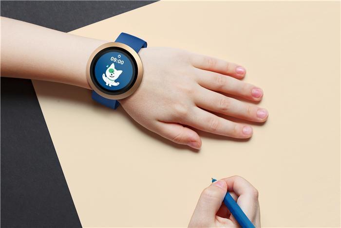 네이버랩스, 손목시계형 키즈폰 '아키' 출시
