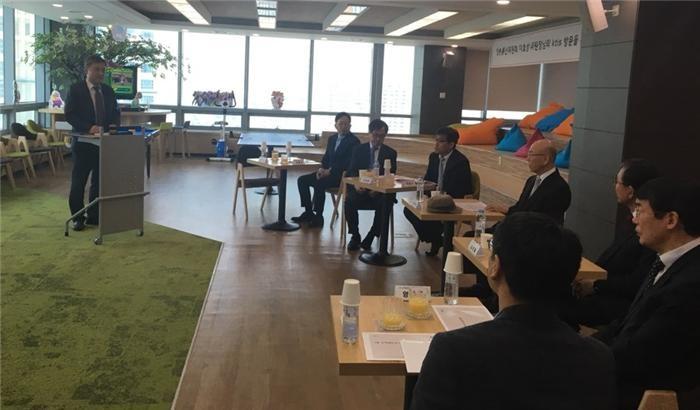 """이효성 위원장 """"네이버, 근본적 댓글 대책 내놔야"""""""