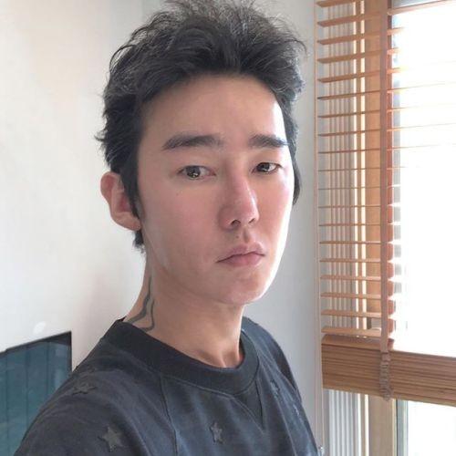 """""""씨X를 seed로 번역한 꼴"""" 허지웅, 박지훈 번역가 '어벤져스 인피니티 워' 오역 논란에 일침"""