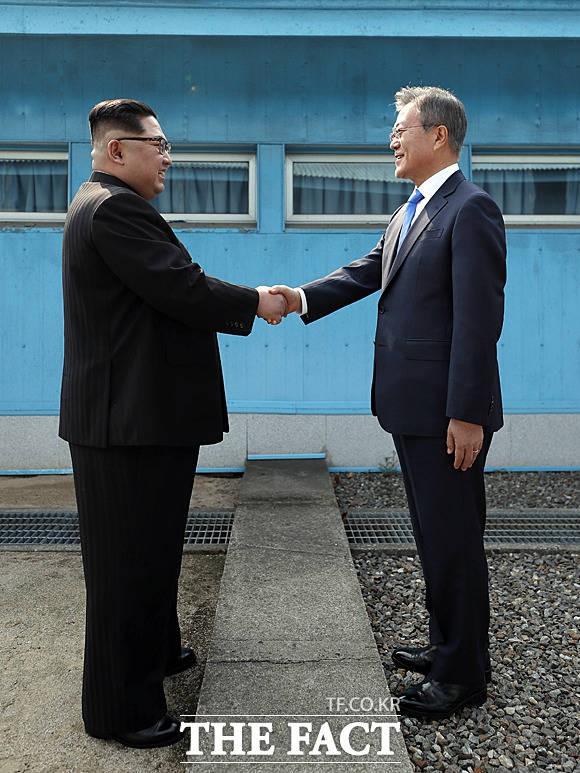 남북 정상 문재인·김정은, '우리가 만났습니다'