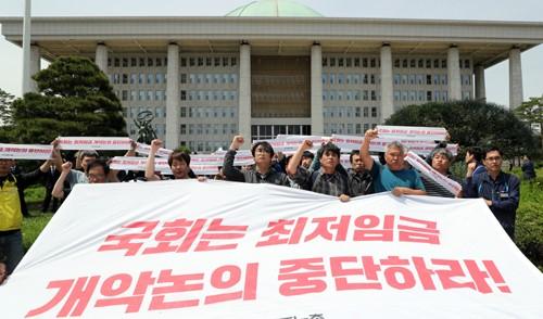 최저임금 산입범위 논의 재개… 진통 여전