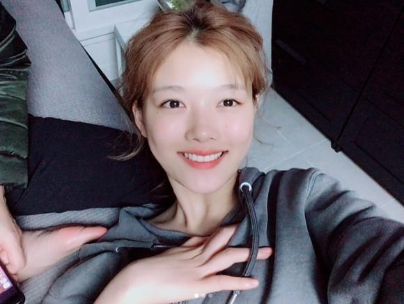 """'성년의날' 드디어 '어른이'가 된 김유정, """"아프지 말고 건강한 모습 보고 싶다...빨리 만나요...얼른 얼굴 보여주세요..."""""""