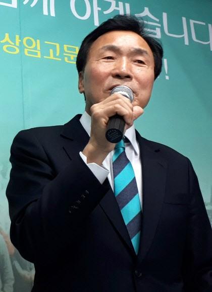 """손학규 """"나를 버리겠다""""며 송파을 출마 선언 박종진 """"孫 태도 돌변 정말 쇼크"""" 반발"""