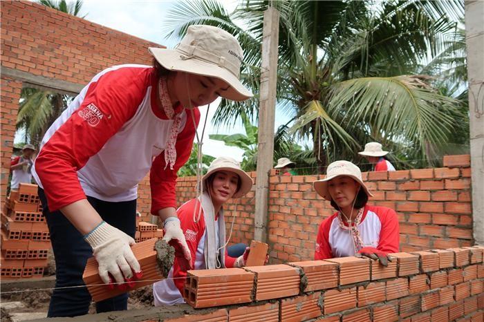 아시아나항공, 베트남서 '사랑의 집짓기' 봉사활동