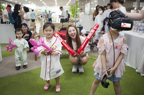 360도 VR 생중계… 야구장이 된 병원