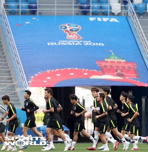 한국축구국가대표팀, 이제는 실전