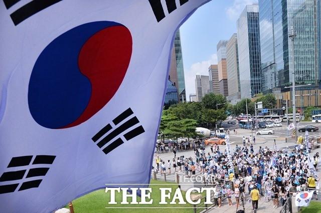 """무디스, 한국 신용등급 유지 """"지정학적 리스크 완화에도 불확실성 남아"""""""