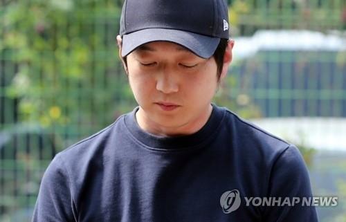 조재범 전 코치, 심석희 폭행 혐의 억울? '취재진 질문에...'