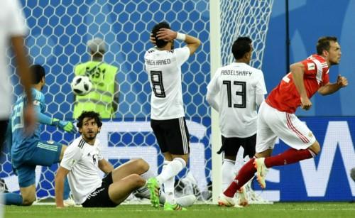 러시아, '살라' 뛴 이집트 3-1로 꺾고 16강 확정· 살라, 월드컵 데뷔골에 만족