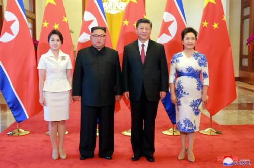 """김정은 """"中과 긴밀히 협력"""" - 시진핑 """"北 적극지지, 건설적 역할 계속할 것"""""""