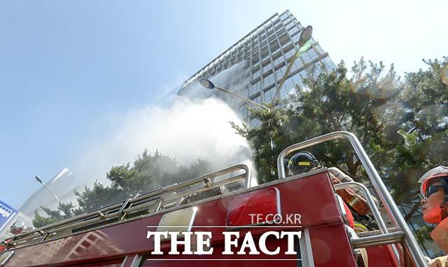 '고층 건물에서 화재가?'…실전 같은 재난대비 훈련