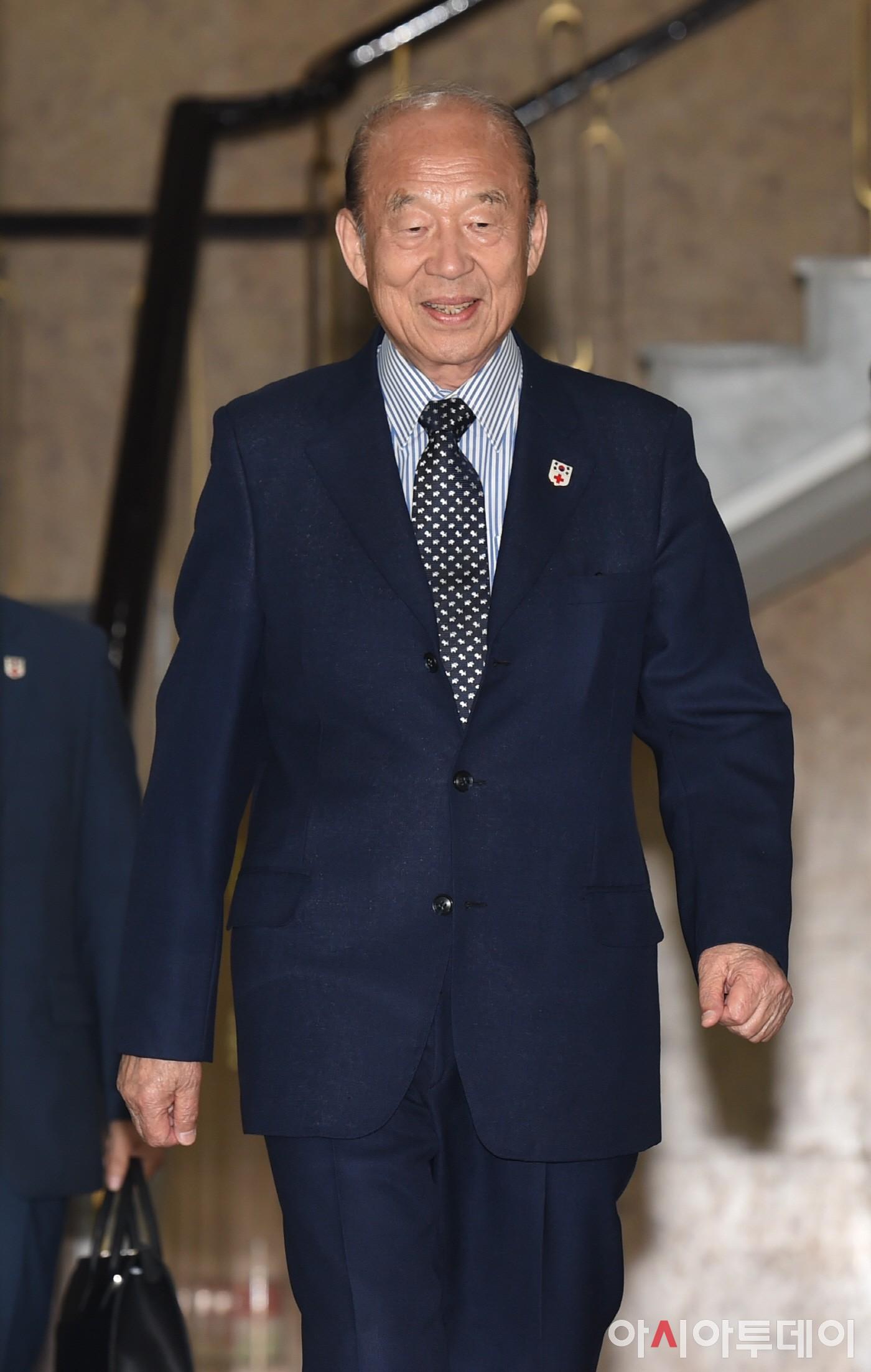 남북적십자회담 대표단 출발