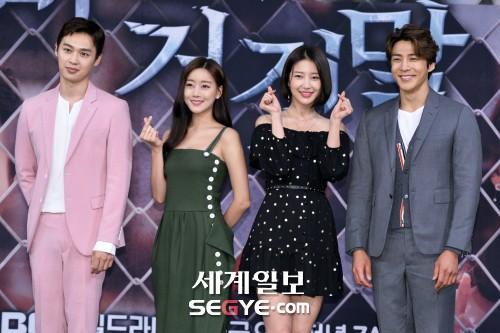 이중문-오승아-서해원-김경남 '비밀과 거짓말' 출연진 한자리에