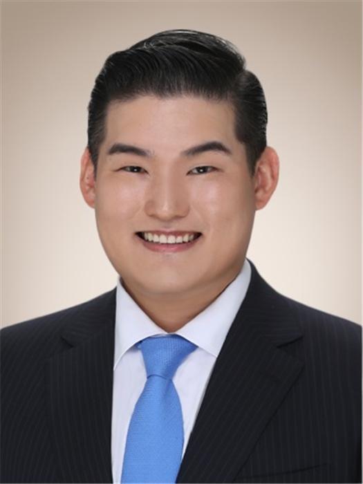 회장 돌아온 동국제강, 3년만에 사장 선임…조직개편까지