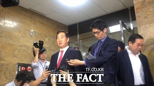 """""""혁신? 흑심?"""" 김성태 '발음'처럼 한국당 '꼬인다 꼬여!'"""