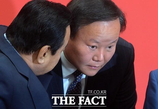 '수사 외압 의혹' 커지는데…말 없는 김재원