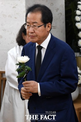 [TF포토] 김종필 빈소 찾은 홍준표 전 대표