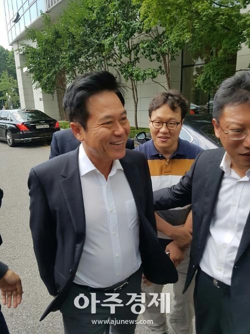 """박정호 SK텔레콤 사장 """"아시아나항공 인수 사실무근"""""""