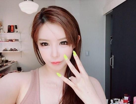 박봄, 새 소속사 '디네이션'에서 컴백?…'확 달라진' 외모로 근황 공개