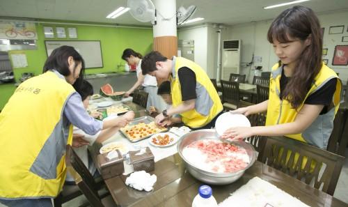동서식품, 한빛맹아원 환경 개선 봉사활동 진행