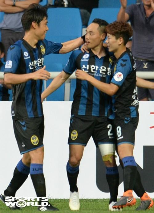 인천 문선민, 경기 후반 역전골 성공
