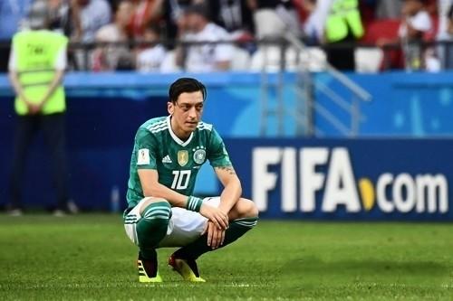 """외질, 독일대표팀 은퇴 선언…""""더이상 대표팀 경기 안한다"""""""