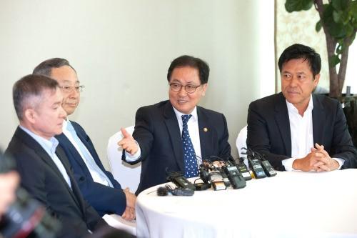 유영민 장관·이통3사 수장 회동이 남긴 것은?