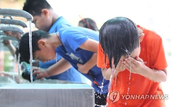 기록적인 폭염 계속···서울 36℃·대구 38℃