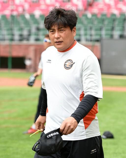 '26일 만의 1군 복귀' 한화 김태균, 14일 롯데전 5번 지명타자로 선발 출전