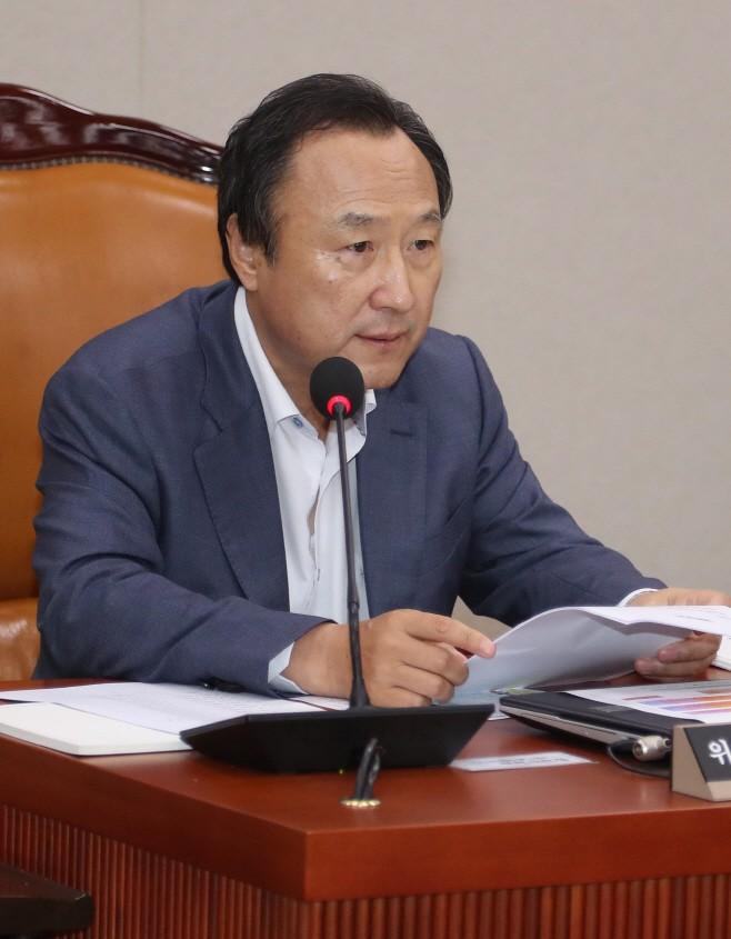 '의원직 상실형' 홍일표, 의혹 더 있다