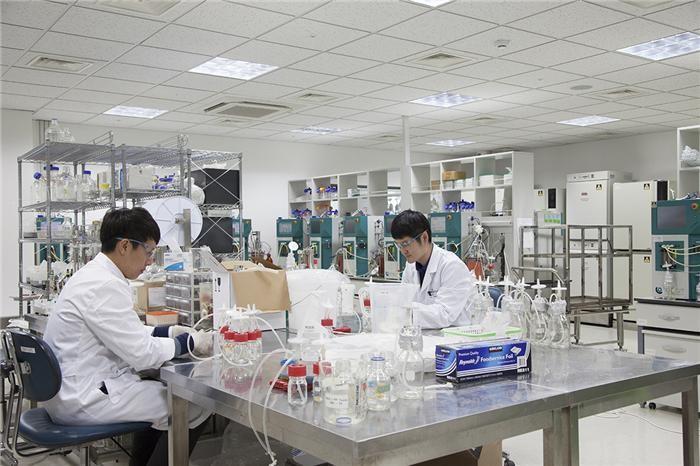 """(제약산업, 수출이 미래다)①세계로 눈 돌리는 한국 제약·바이오 """"R&D가 답이다"""""""