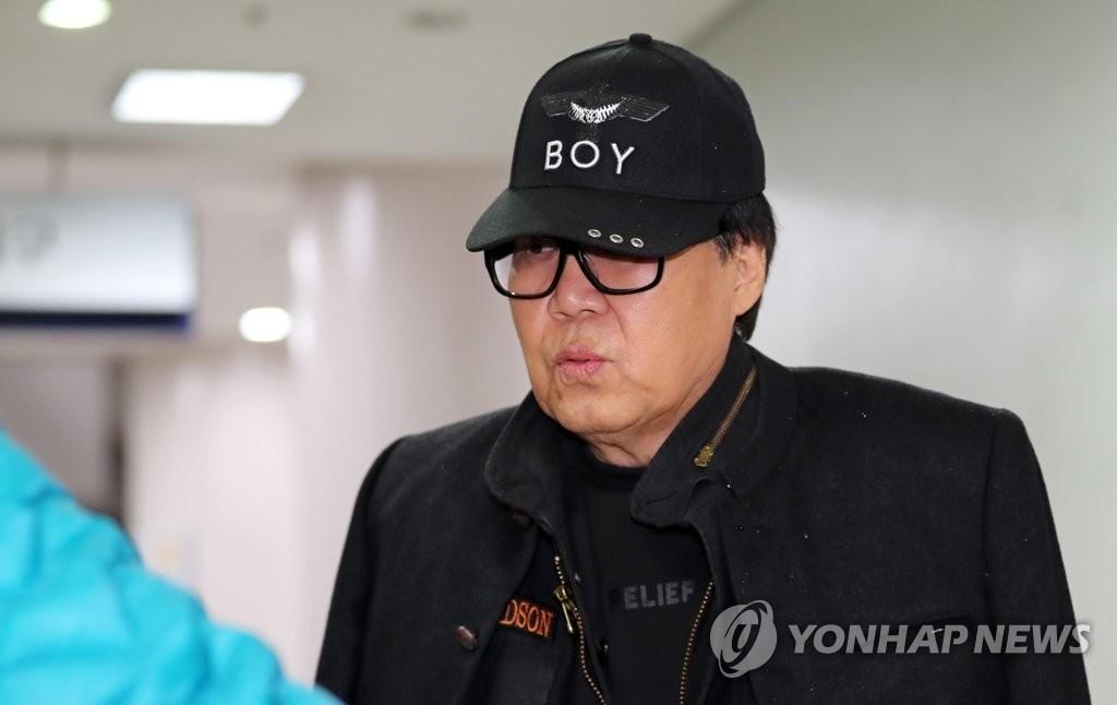 '그림 대작' 의혹 조영남 '무죄'…1심 뒤집힌 결정적 원인은?