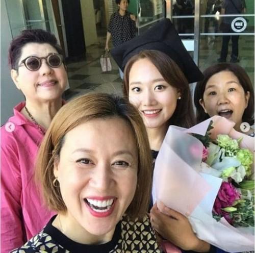 박미선♥이봉원 '딸' 이유리 대학교졸업식에 양희은·이성미 같이 축하