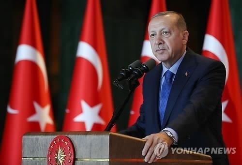 """터키 대통령, """"압박에 굴복하지 않을 것"""" 미국 '경제게임' 겨냥"""