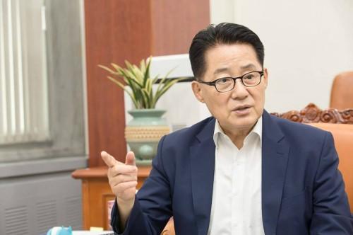 """박지원도 안희정 판결 비판…""""극단적 페미니스트 되거나 은장도 품으라는 것"""""""