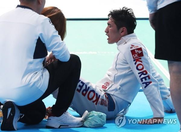 """""""할 수 있다""""…에페 박상영, 부상 투혼 끝 개인전 첫 은메달"""