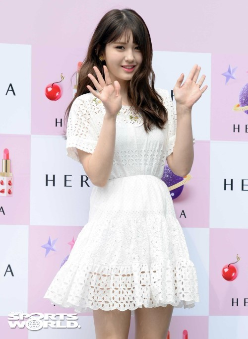 """전소미, 결국 JYP 떠난다 """"상의 하에 전속계약 해지"""""""