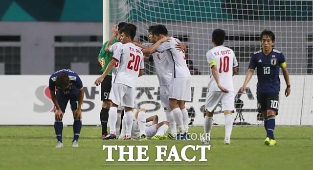 일본 꺾은 박항서호, '베트남 축구 역사' 새로 쓸까?