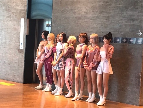 """위걸스, 21일 아프리카TV 생방송 진행…""""멤버 개개인의 매력 보여줄 예정"""""""