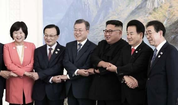 `남북 철도·도로 연결 공사` 올해 안에 첫삽 뜬다