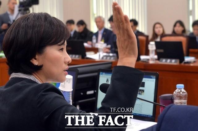 '의혹' 유은혜 후보자, 인사청문회 통과할까?