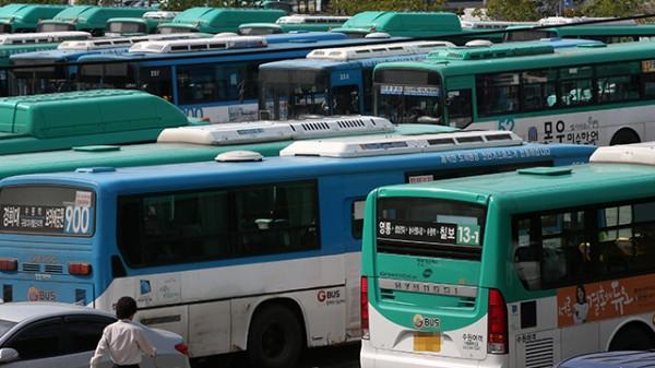 '수원 버스 파업' 용남고속 노조 파업 돌입·수원여객은 철회…출근길 대란 일어날까?