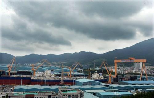 추석 연휴 한국경제에 몰려오는 짙은 먹구름